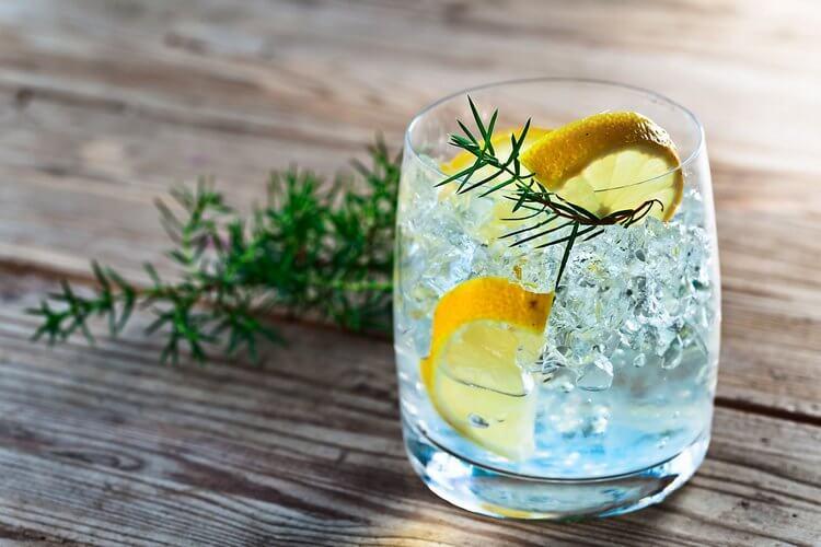 Картинки по запросу коктейль джин-тоник фото